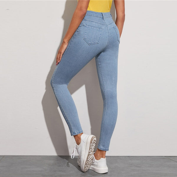 Light Wash Five-Pocket Stretchy Cropped Jeans