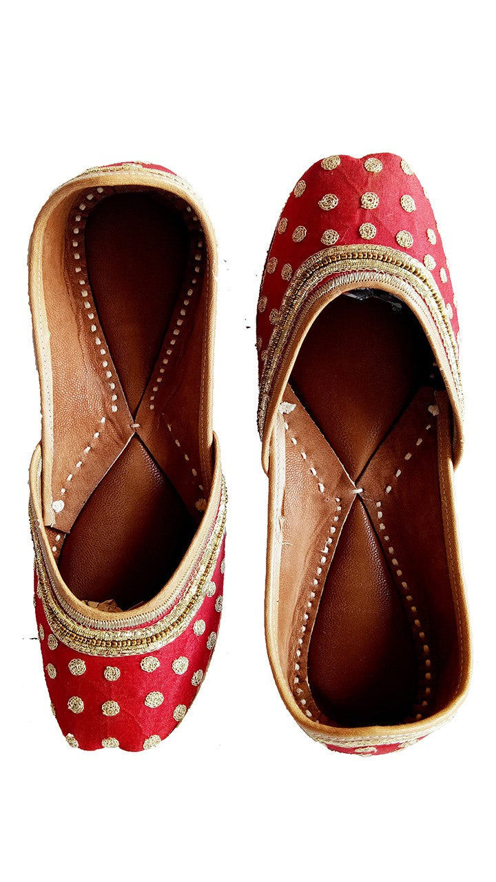 Cherry Red Ladies Embroidered Mojari