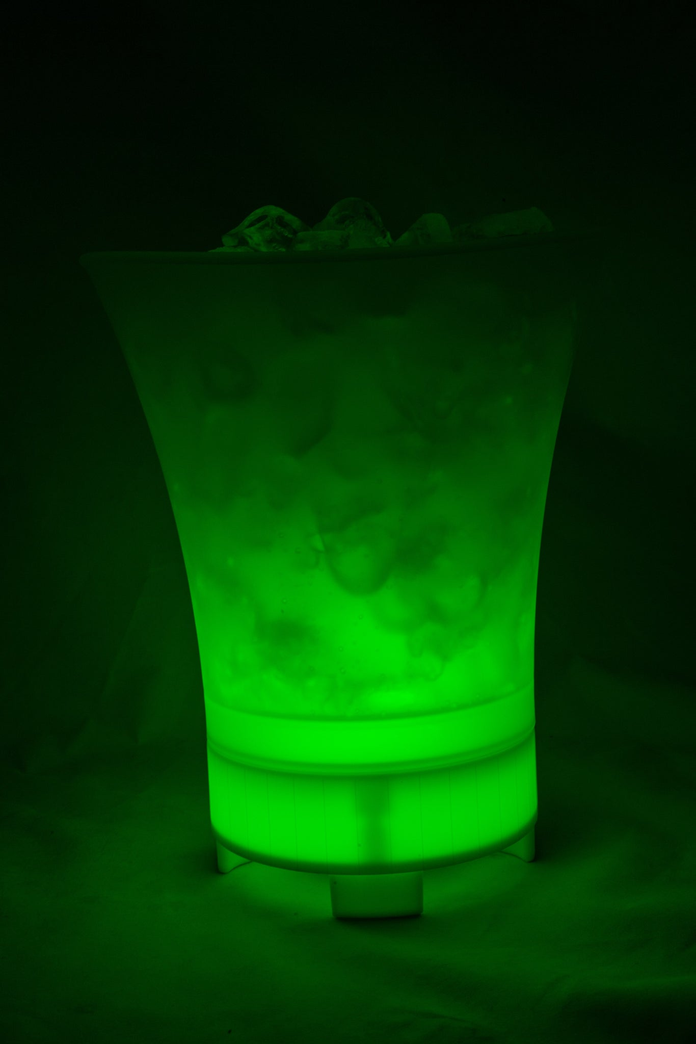 Colour Changing LED Ice Bucket with Built in Bluetooth Speaker- Large