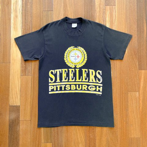 VINTAGE PITTSBURGH STEELERS NFL LOGO 7 BIG TEXT LOGO PRINTED T-SHIRT