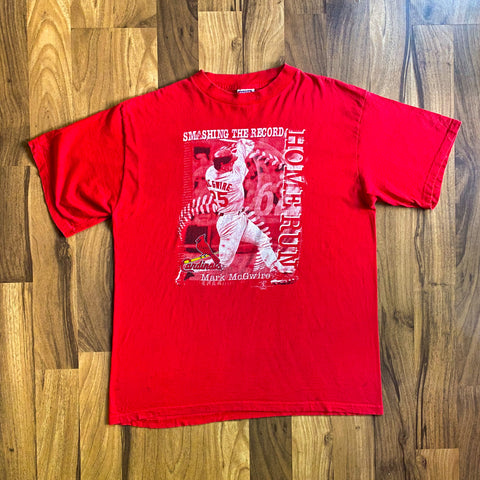 "VINTAGE 1998 MARK MCGWIRE ""SMASHING THE RECORD"" ST. LOUIS CARDINALS MLB GRAPHIC T-SHIRT"