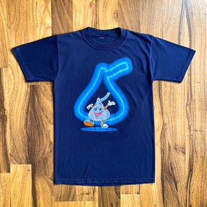 VINTAGE 2002 HERSHEY'S KISS CANDY CHARACTER GRAPHIC PRINTED T-SHIRT