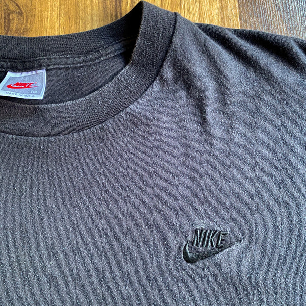 VINTAGE 90'S NIKE MADE IN THE USA SWOOSH LOGO EMBROIDERED HEAVY T-SHIRT