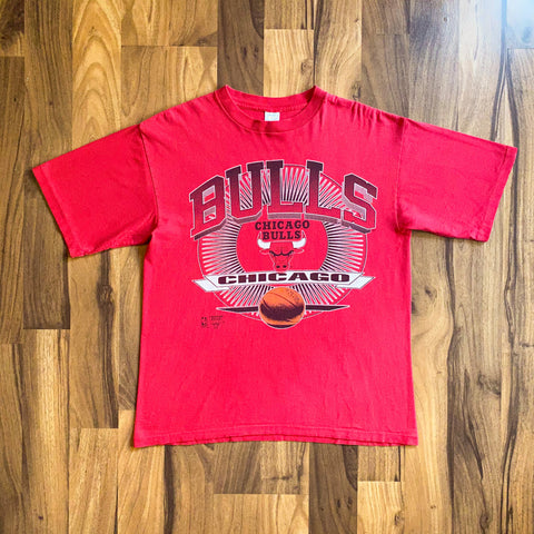 VINTAGE CHICAGO BULLS NBA BIG PRINT COMPETITOR PRINTED T-SHIRT