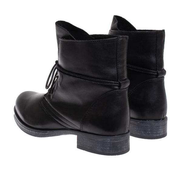 Cary Burnished Leather Bootie - Black