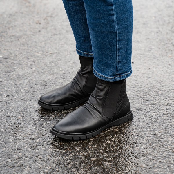 Women's Varick Rouched Chelsea Boot - Black