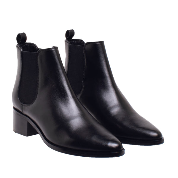 Fay Tapered Toe Chelsea Boot - Black