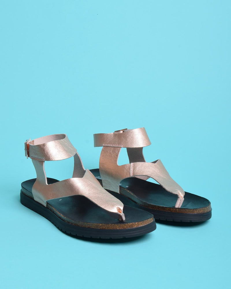 Tesa Metallic Leather Thong Gladiator Sandals - Rose Gold