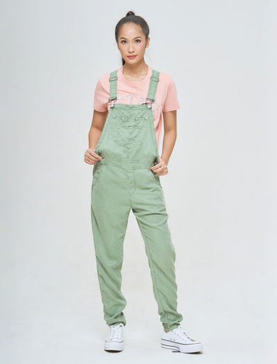 EXPLORE AUSSIE IN GREEN OLIVE JUMPSUIT | EXPLORE AUSTRALIA | ONLINE JUMPSUIT | GREEN OLIVE | OOTD JUMPSUIT | STYLE IN GREEN JUMPSUIT | BQ COLLECTION | BUNIQ FASHION | AUSTRALIA CLOTHING