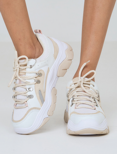 CHUNKY SKECHERS STREET AMP'D IN WHITE | WHITE SHOES | STREET SHOES | CHUNKY SHOES | SKECHERS OUTFIT | OUTFIT SKECHERS D'LITES  | BUY ONLINE SHOES | STYLE STREET SHOES | BUY SKRCHERS | BQ COLLECTIONS | BUNIQ FASHION