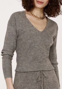 Long Sleeve Shoulder Pleat Blouse