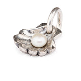 White Pearl in Clamshell