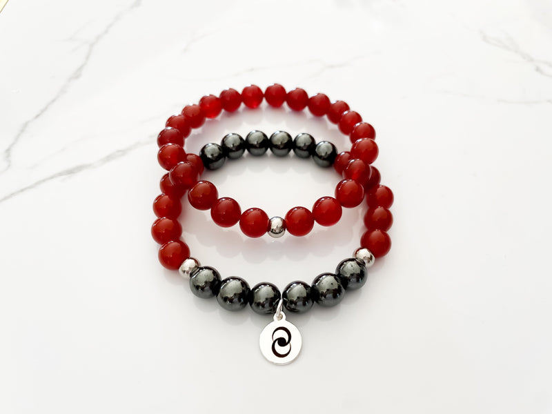 Healing crystal bracelet with healing stones carnelian and hematite. Crystal bracelet for passion and motivation.