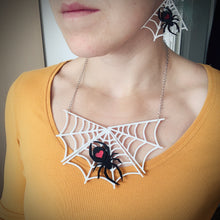 Load image into Gallery viewer, Spider Love Necklace