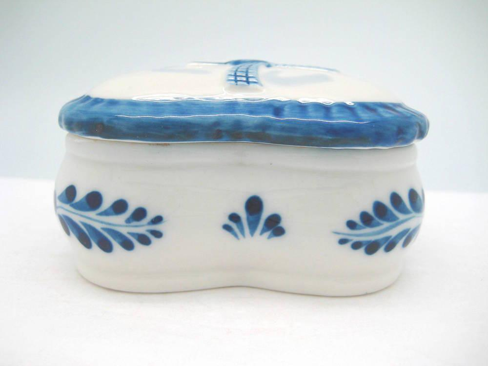 Delft Blue & White Ring Box Embossed Windmill Design - Delft Blue, Dutch, Home & Garden, Jewelry Holders, PS-Party Favors, Windmills - 2 - 3 - 4