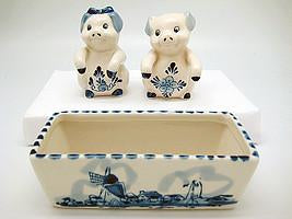 Pig Pepper and Salt Shakers: Pigs - AN: Pigs, Below $10, Ceramics, Collectibles, Delft Blue, Dutch, Home & Garden, Kitchen Decorations, S&P Sets, Tableware, Top-DTCH-A, Under $10 - 2 - 3 - 4 - 5