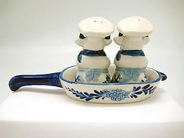 Cows Pepper and Salt Shakers: Chef Cows - Animal, Below $10, Ceramics, Collectibles, Delft Blue, Dutch, Home & Garden, Kitchen Decorations, S&P Sets, Tableware, Top-DTCH-B, Under $10 - 2 - 3 - 4