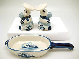 Cows Pepper and Salt Shakers: Chef Cows - Animal, Below $10, Ceramics, Collectibles, Delft Blue, Dutch, Home & Garden, Kitchen Decorations, S&P Sets, Tableware, Top-DTCH-B, Under $10 - 2 - 3