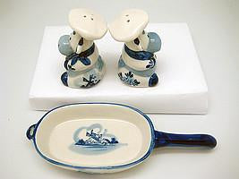 Cows Pepper and Salt Shakers: Chef Cows - Animal, Below $10, Ceramics, Collectibles, Delft Blue, Dutch, Home & Garden, Kitchen Decorations, S&P Sets, Tableware, Top-DTCH-B, Under $10 - 2