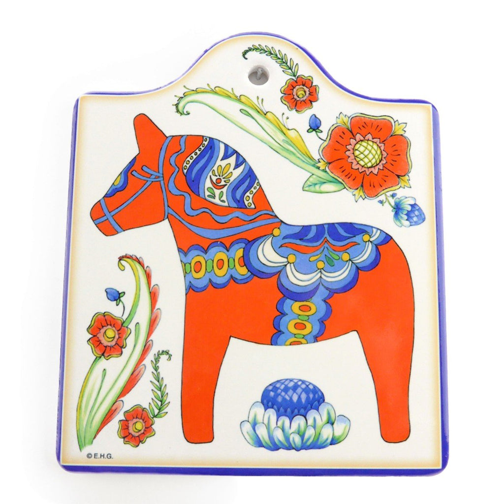 DT4753: CHEESEBOARD: RED DALA HORSE