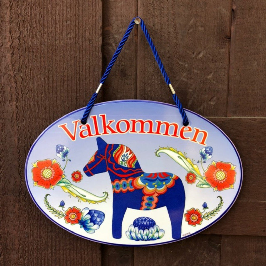 DT5552: DOOR SIGN: BLUE DALA/VALKOMME