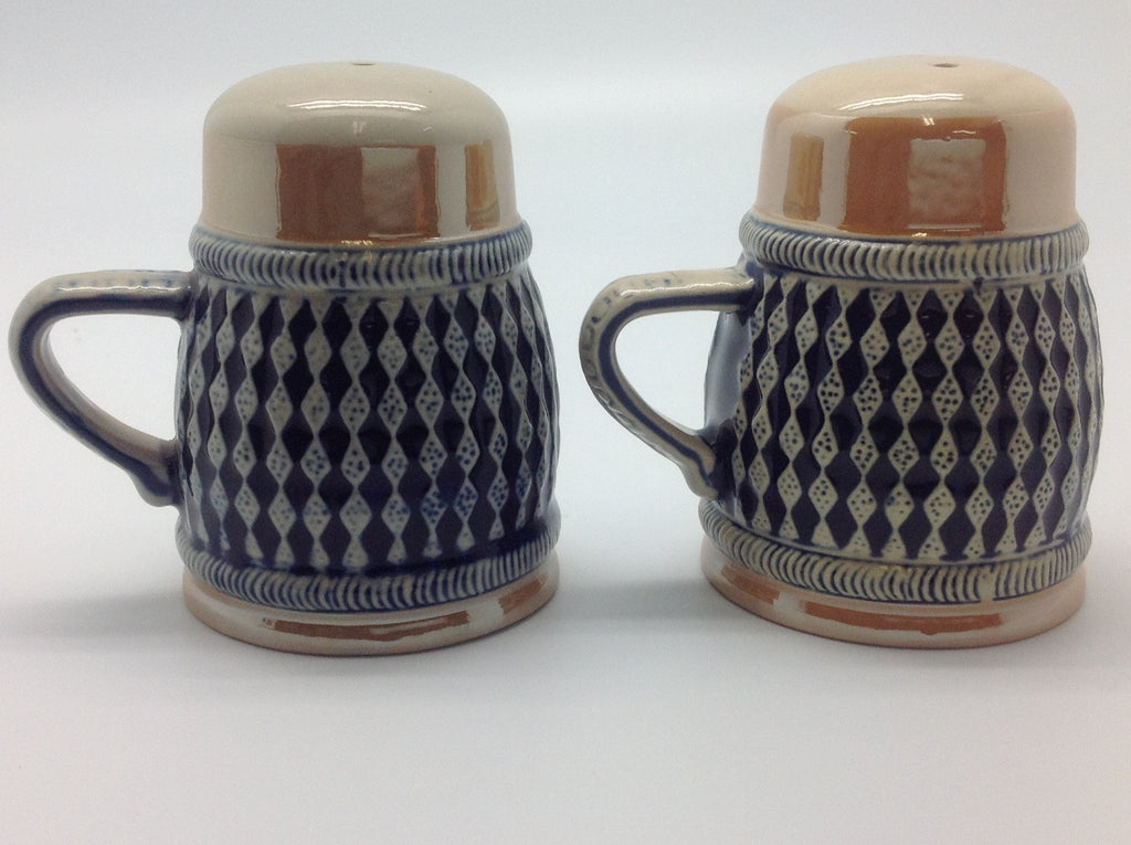 Bayern Coat of Arms Engraved Beer Stein Salt & Pepper Set - Alcohol, Barware, Bayern, Beer Glasses, Coffee Mugs, Collectibles, CT-526, Decorations, Drinkware, German, Germany, Home & Garden, Kitchen Decorations, Multi-Color, PS- Oktoberfest Essentials-All OKT Items, PS- Oktoberfest Table Decor, PS-Party Favors, S&P Sets, S&P Sets-German, Tableware, Top-GRMN-A - 2 - 3 - 4 - 5 - 6