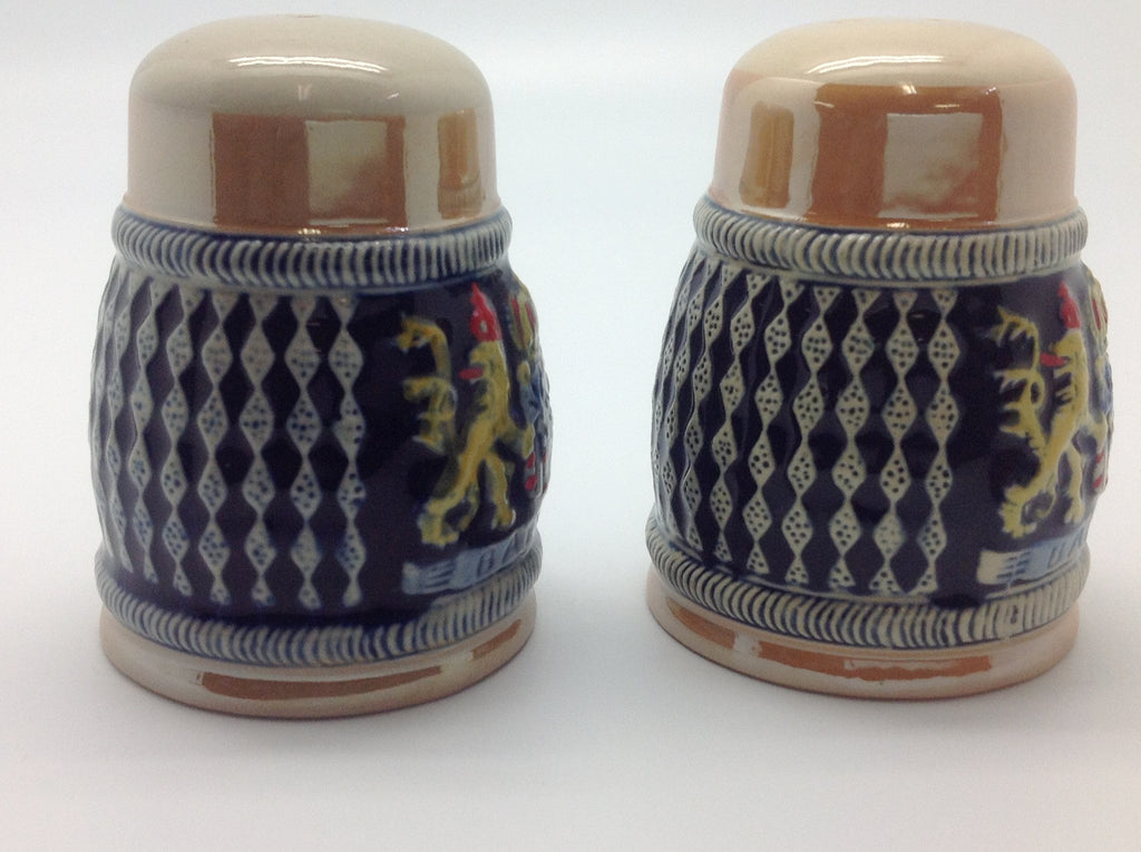 Bayern Coat of Arms Engraved Beer Stein Salt & Pepper Set - Alcohol, Barware, Bayern, Beer Glasses, Coffee Mugs, Collectibles, CT-526, Decorations, Drinkware, German, Germany, Home & Garden, Kitchen Decorations, Multi-Color, PS- Oktoberfest Essentials-All OKT Items, PS- Oktoberfest Table Decor, PS-Party Favors, S&P Sets, S&P Sets-German, Tableware, Top-GRMN-A - 2
