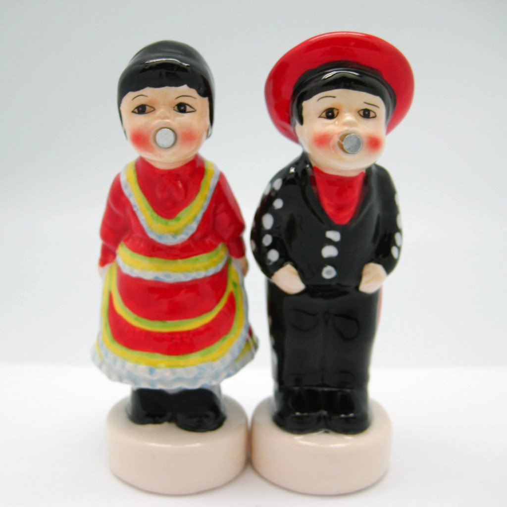 Collectible Magnetic Salt & Pepper Sets Mexican - Below $10, Collectibles, Decorations, Home & Garden, Kissing Couple, Kitchen Decorations, Mexican, PS-Party Favors, S&P Sets, S&P Sets-Magnetic, S&P Sets-Mexican, Tableware - 2