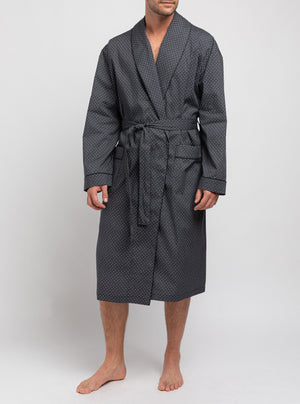 Pointed dressing gown