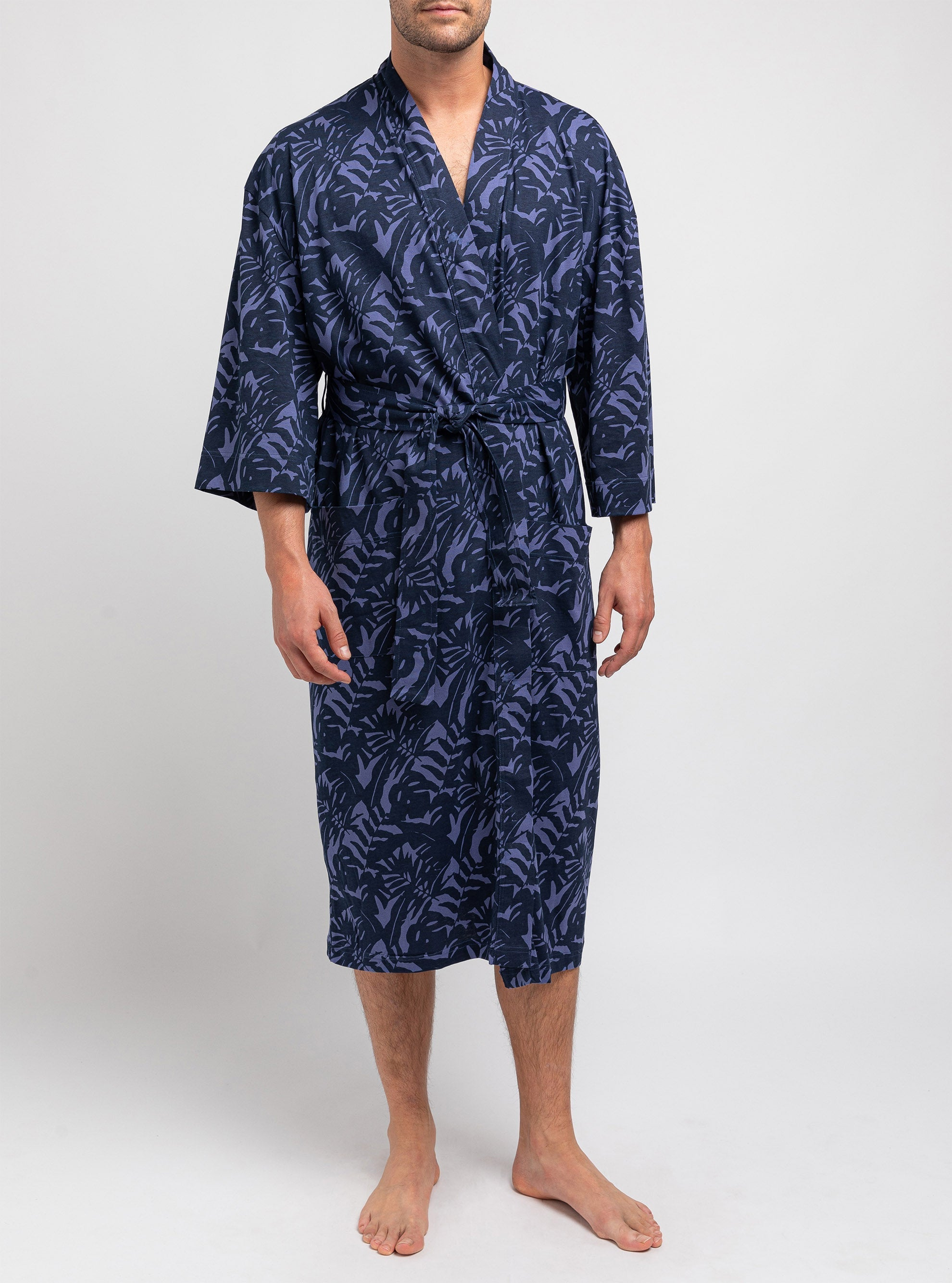 Navy bathrobe with leafs patterns