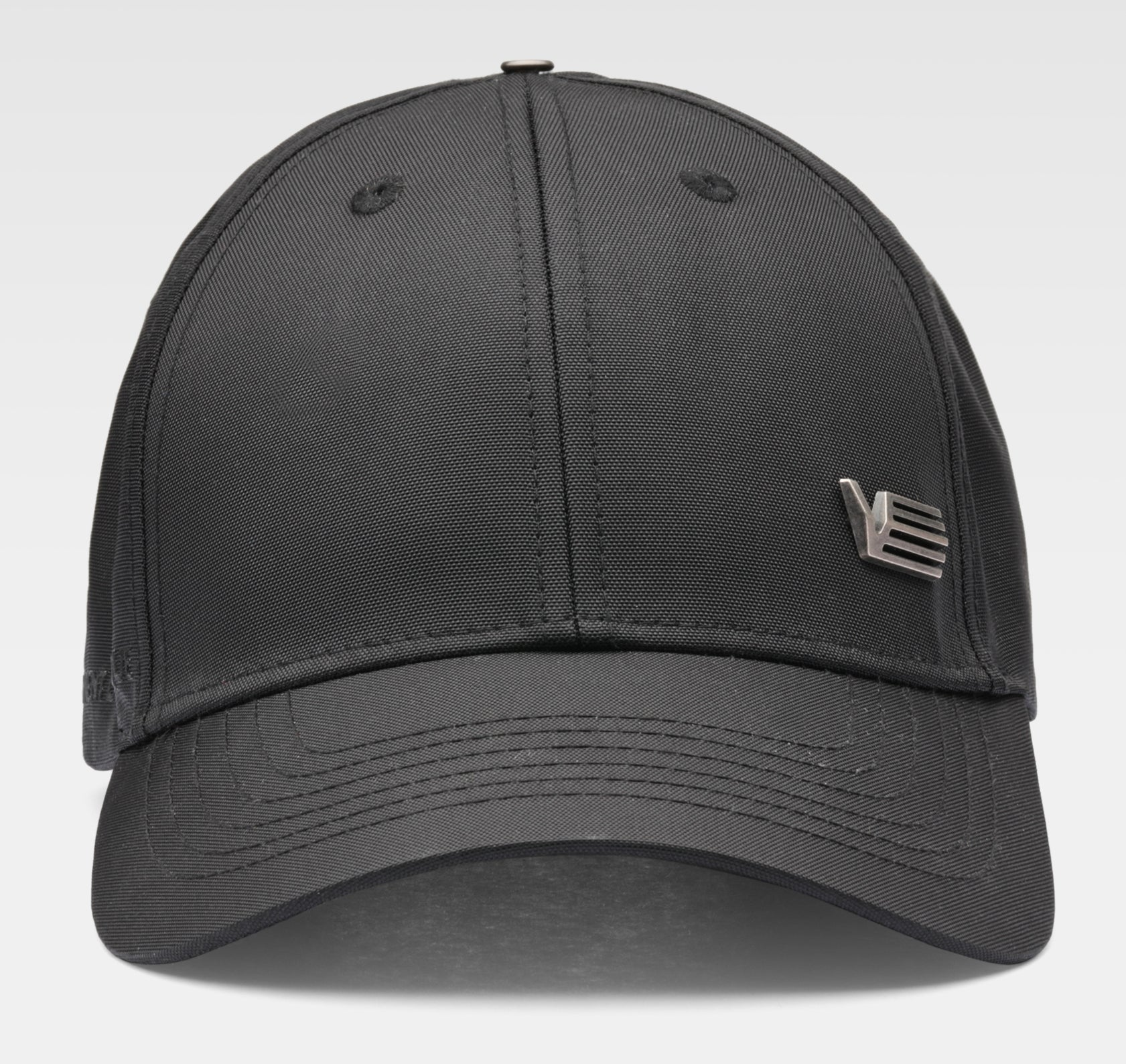 Black cap with metallic logo