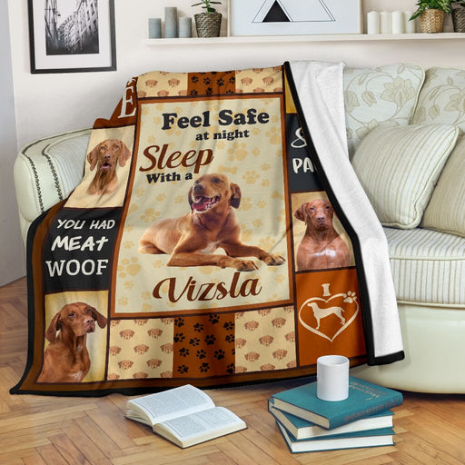 Mt 10 feel safe at night sleep with a vizsla blanket - GIFTCUSTOM