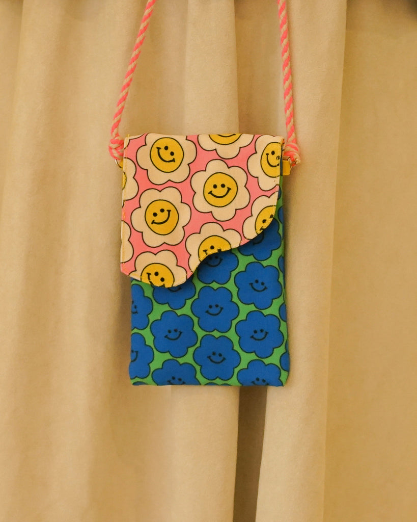 Happy Daisy Phone Pouch
