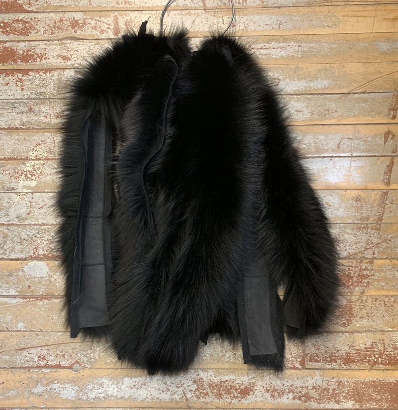 Dyed Blue Fox Hood Ruff - Quality #2-black