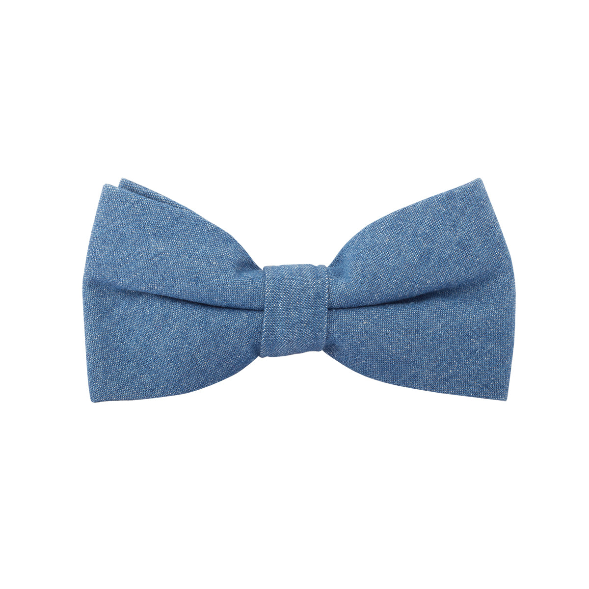 A last minute fix that lends an unmissable edge - this blue classic bow tie has an adjustable flexi strap that will fit just right.