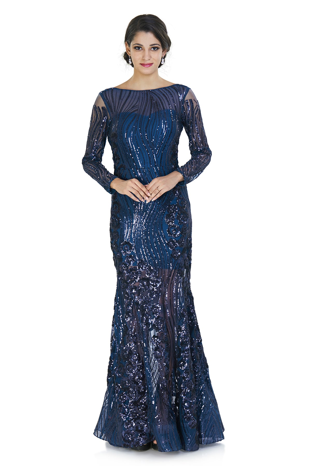 Feel like a mermaid in your next cocktail party in this mermaid shaped gown embellished with glitter & sequins from head to toe!