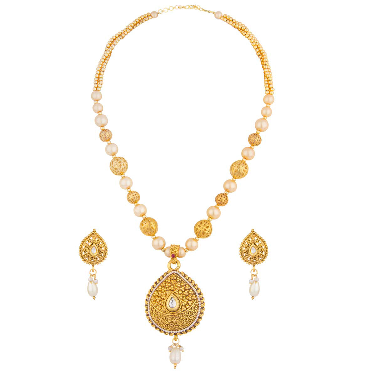Pearls and gold string together give way to a traditional golf filigree pear-shaped pendant in this piece. It comes with matching earrings with pearl drops to complete your look.