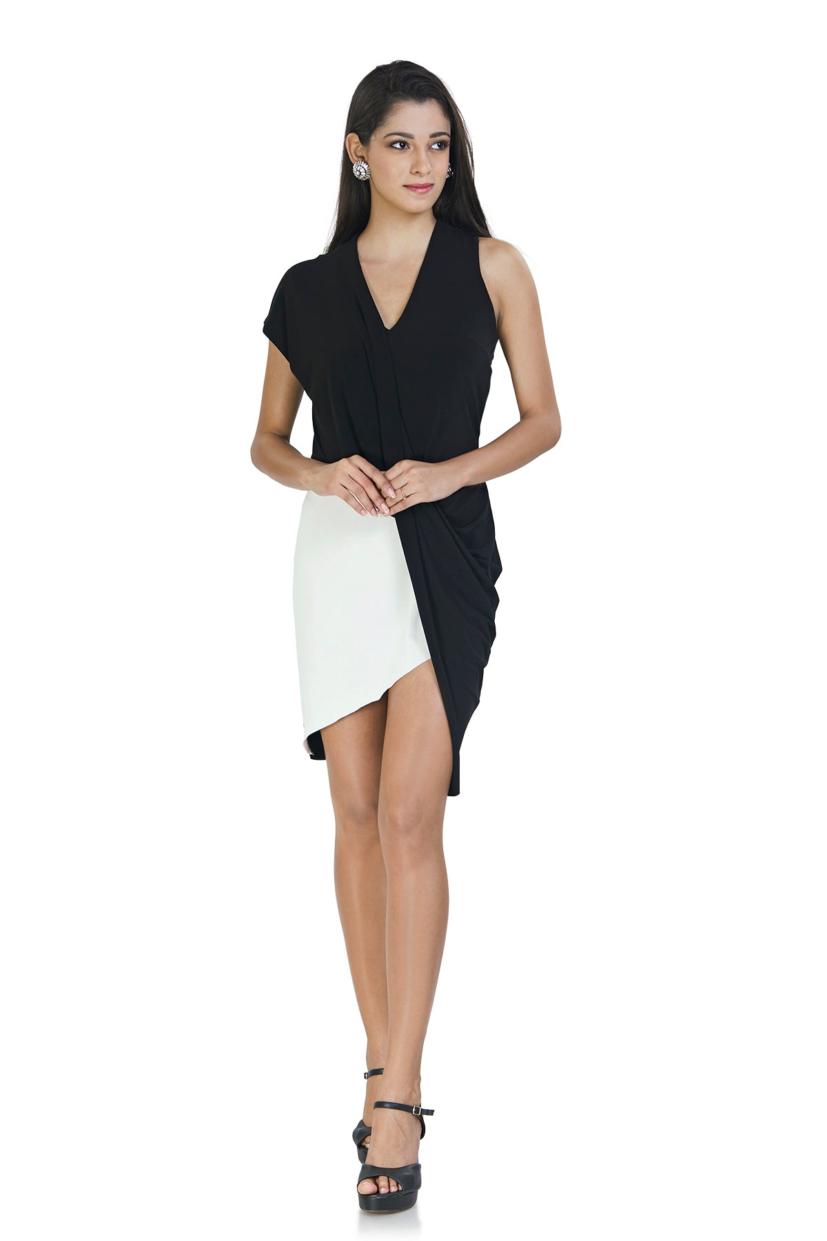 Get the best of both worlds, black & white, with this monochrome assymetrical patterened dress.