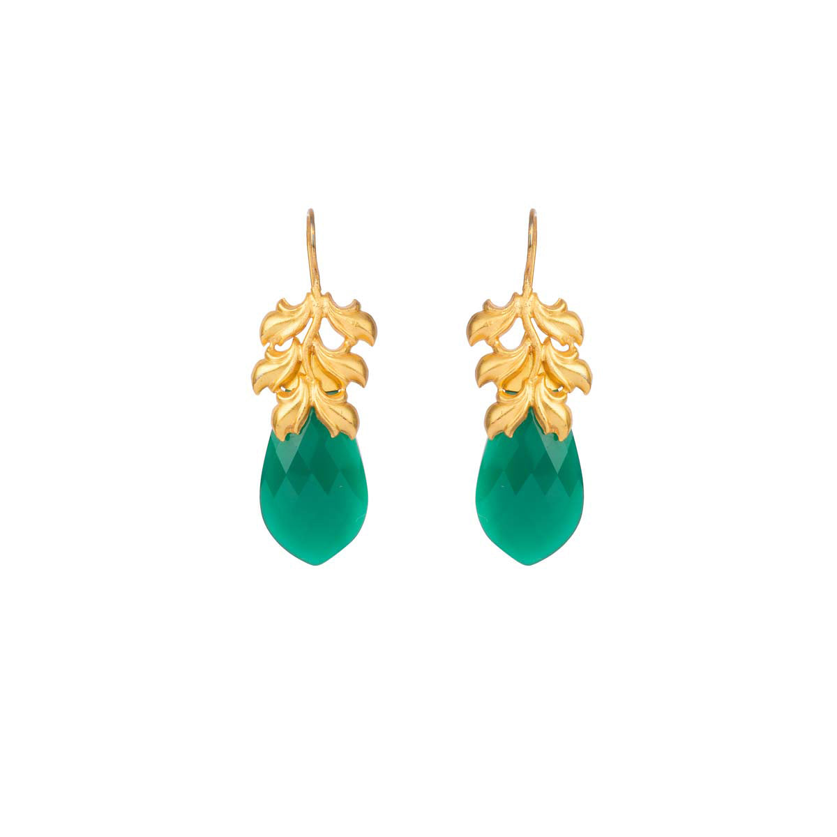 Stay evergreen, always with these irresistible gold-plated earrings finished with a large green stone.