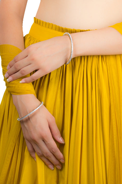 Single Lined Large Solitaire Bangles Pair