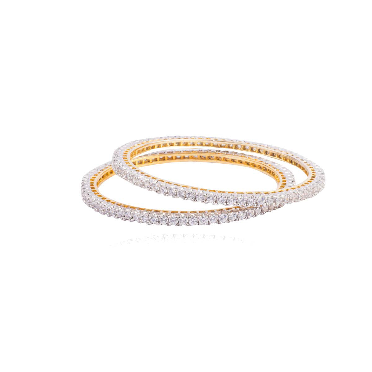 Simple, subtle, yet striking and oh-so-stylish, our single-lined solitaire bangles are studded with dreams.