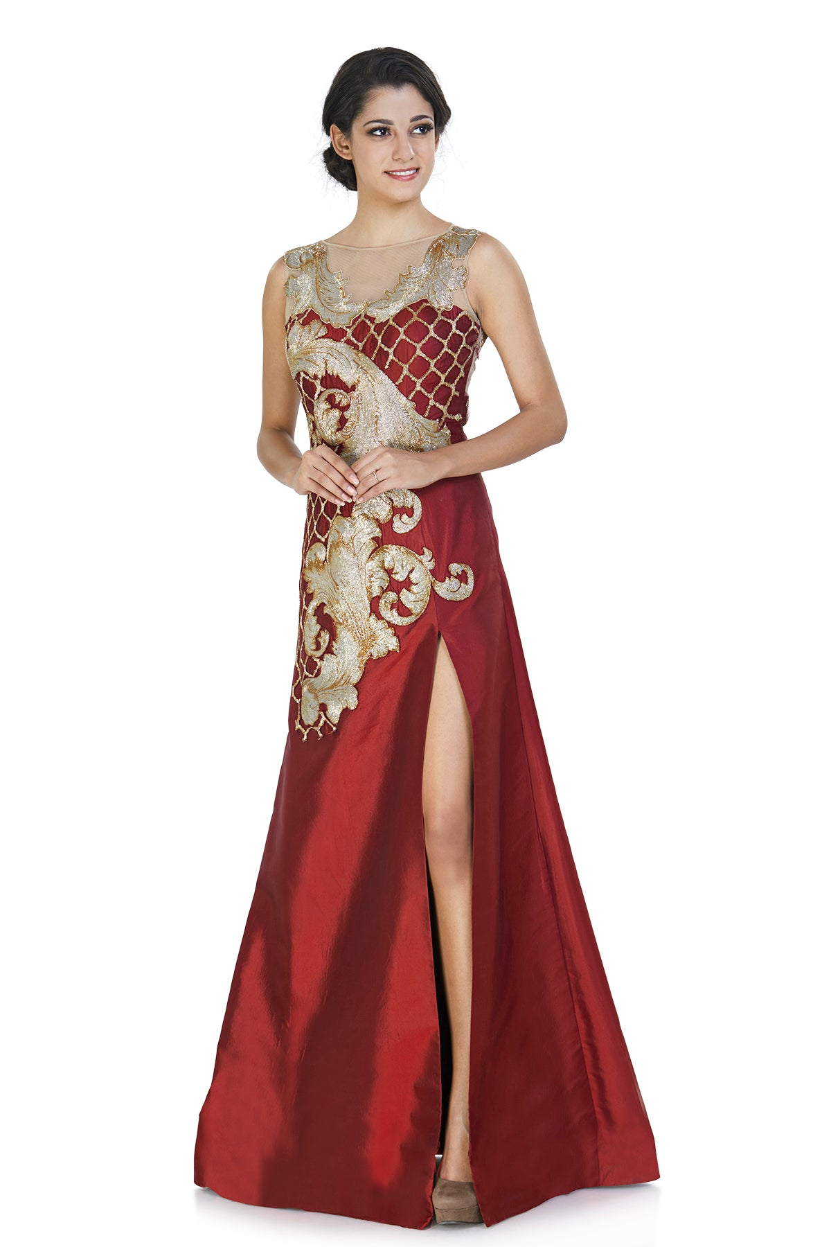 Raise the temperature thigh high with this seductive two-tone silk gown in striking maroon! Its rich kardana embroidery keeps things opulent and all set for your best friend's wedding day.