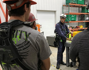 Confined Space Entry/Monitoring (Canada)
