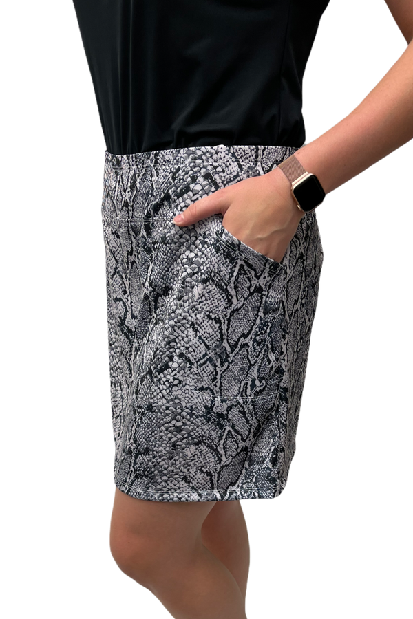 "Bskinz Women's Knit Printed Stretch 18"" Pull-On Skort- Snake Grey"