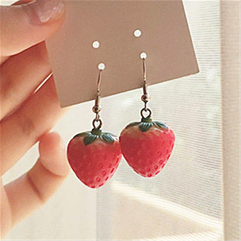New Fruit strawberry earring female lovely girl simulation red strawberry dangle earring