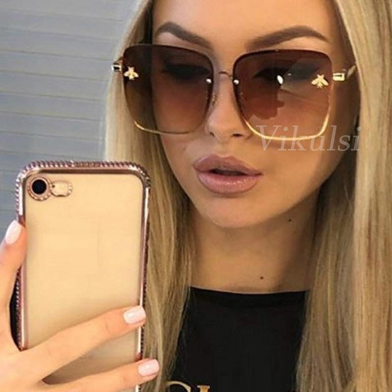 Retro Square Sunglasses Women Brand Designer Bee Metal Frame Oversized Sun Glasses Oculos UV400