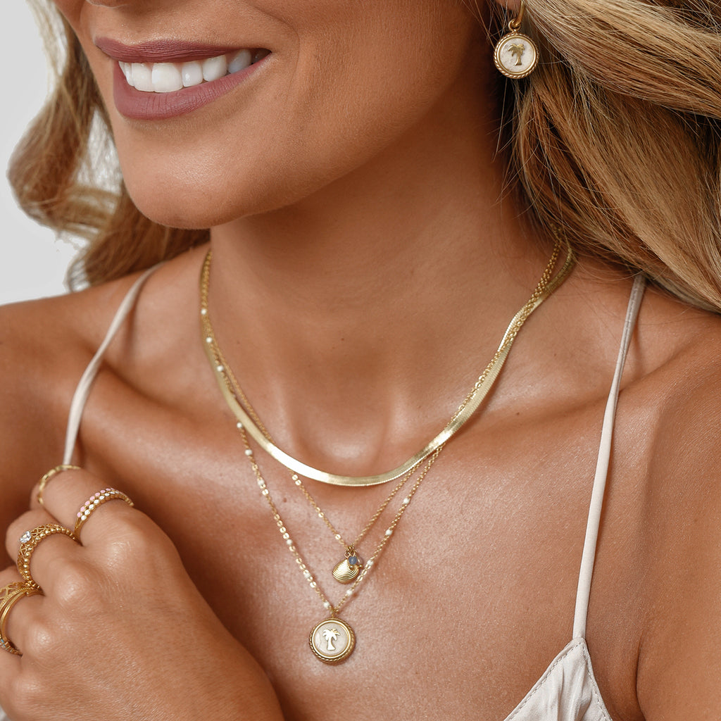 Gold chain essential necklace