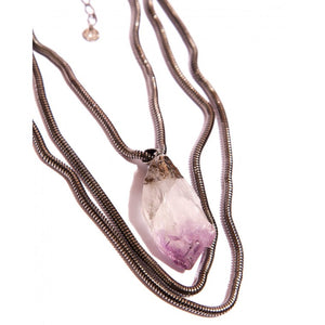 Necklace in natural amethyst rough stone and graphite-plated metals