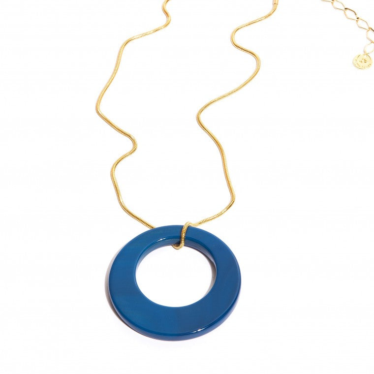 Short blue agate stone necklace with gold-plated metals