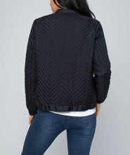 Load image into Gallery viewer, ZIG ZAG PUFFER JACKET